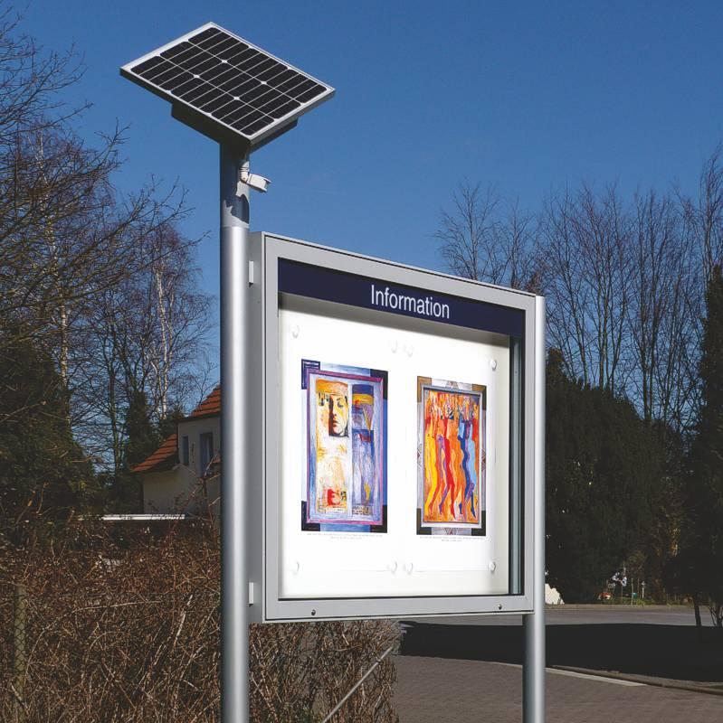 Schaukasten mit Solar-Modul für Beleuchtung