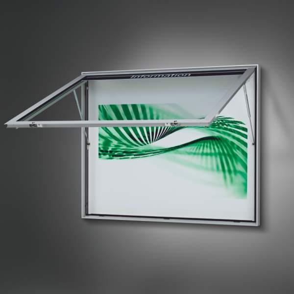 Schaukasten für Draußen mit geöffneter Tür