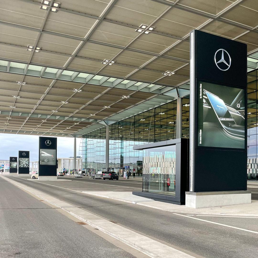 Mega-City-Light-Vitrinen Flughafen BER