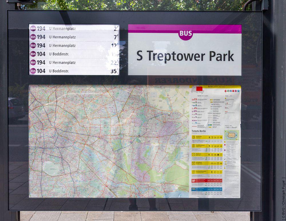 Dynamische Fahrgastinformationssysteme in Bus- und Tram-Wartehallen-Infovitrinen