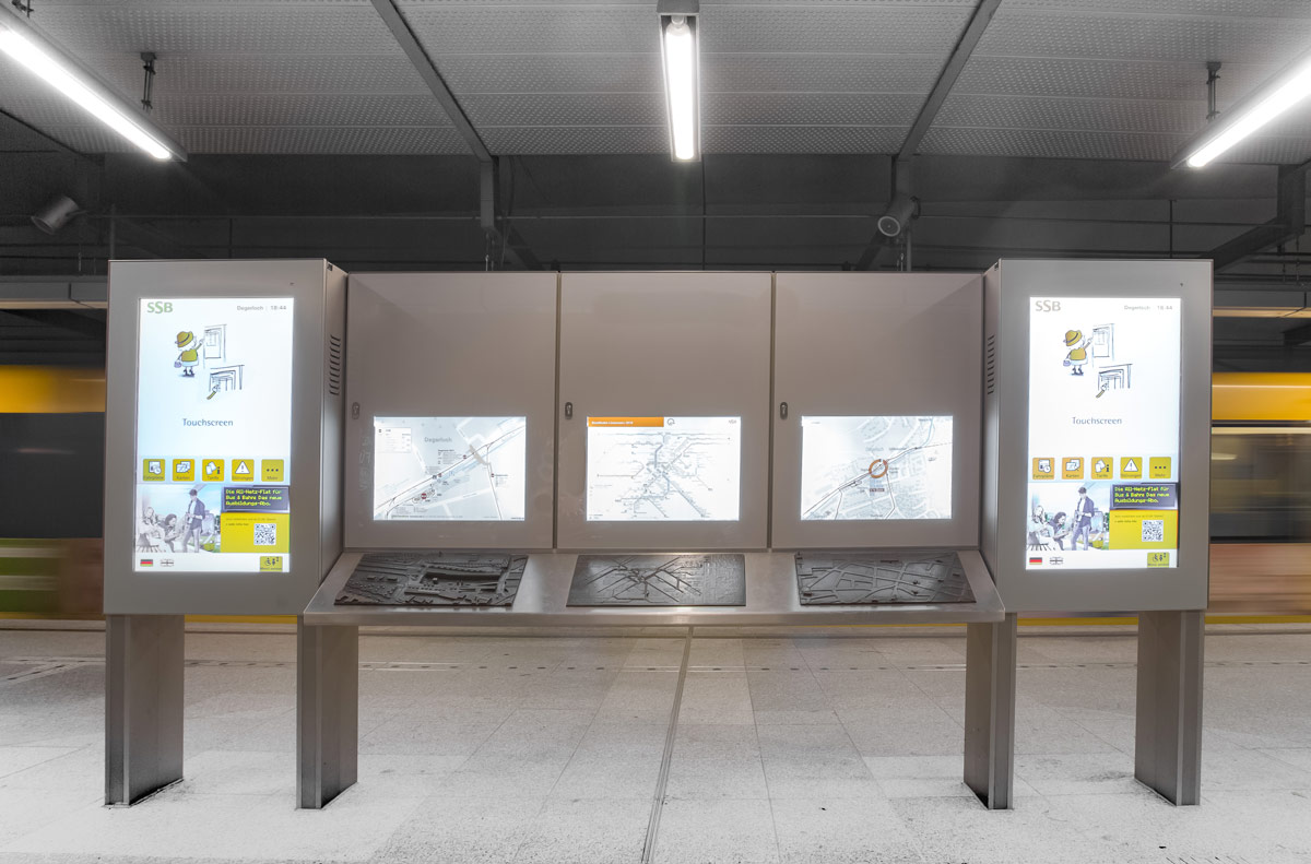 Barrierefreie dynmaische Fahrgastinformationssysteme für eine U-Bahnstation