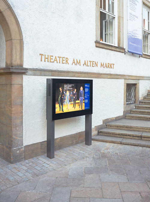 Digital Signage Stele vor dem Theater am alten Markt Bielefeld