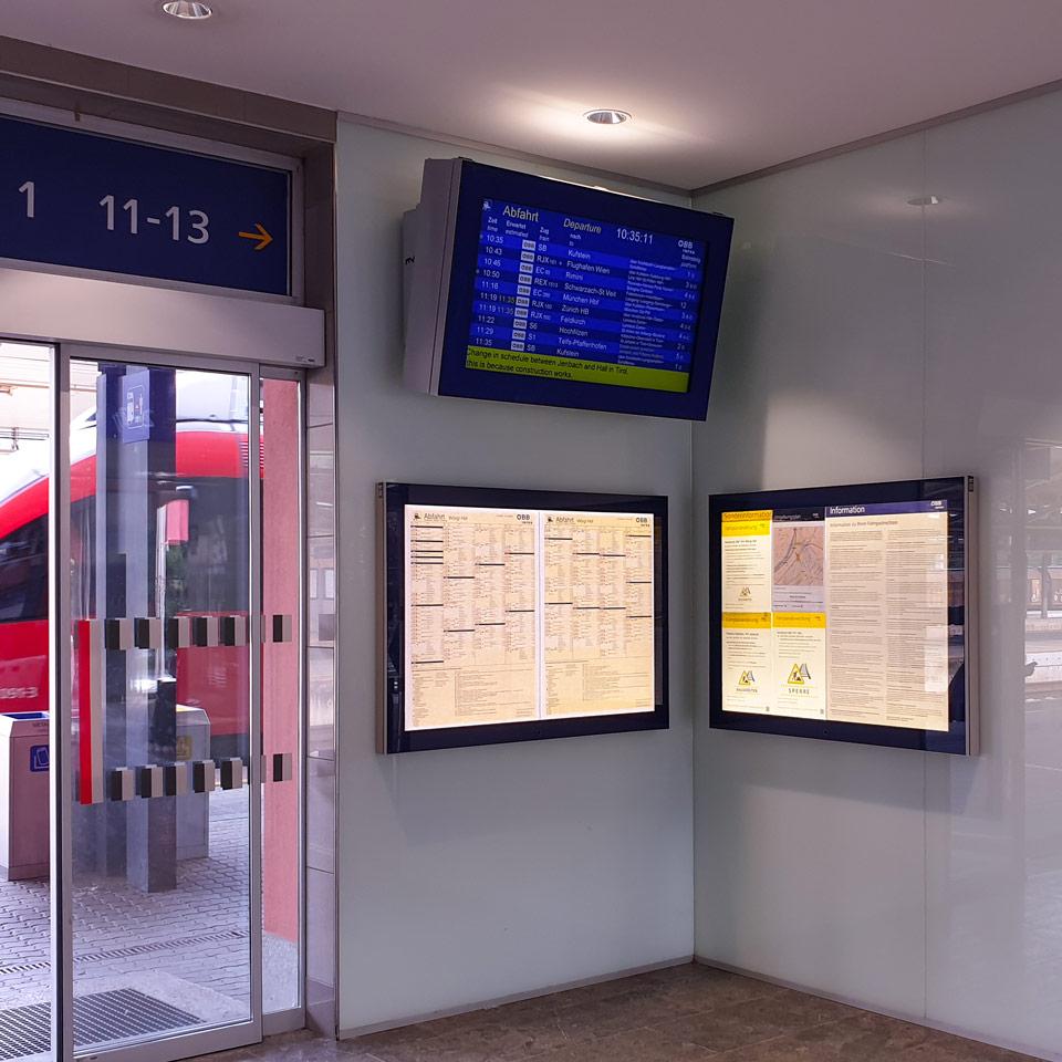 Klassische und dynamische Fahrgastinfo Wörgl Hauptbahnhof