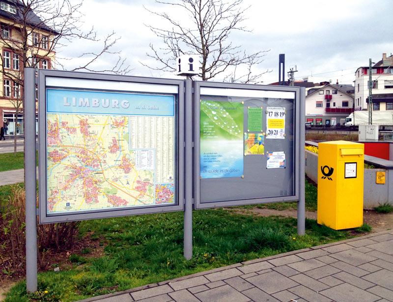 Schaukasten mit Stadtkarte und Infos in Limburg
